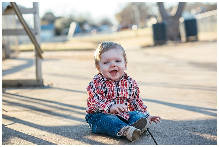 Eastons-first-birthday-session-watauga-baseball (2).jpg