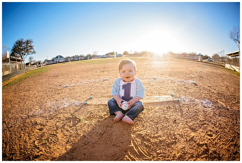 Eastons-first-birthday-session-watauga-baseball (12).jpg