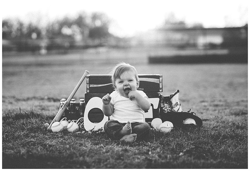 Eastons-first-birthday-session-watauga-baseball (17).jpg