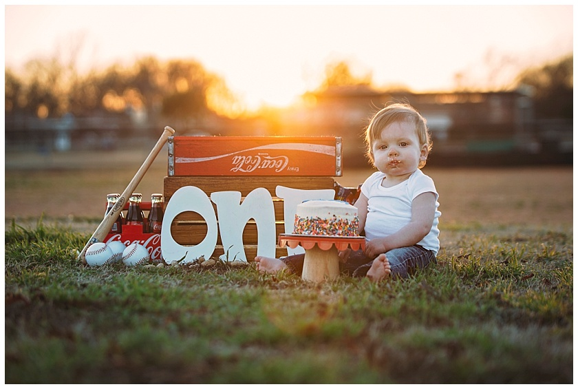 Eastons-first-birthday-session-watauga-baseball (19).jpg