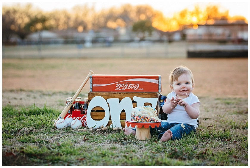 Eastons-first-birthday-session-watauga-baseball (26).jpg