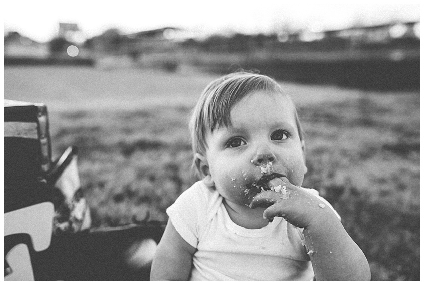Eastons-first-birthday-session-watauga-baseball (33).jpg