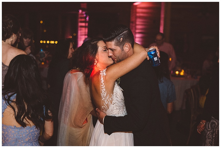 classic_oaks_ranch_wedding (218).jpg