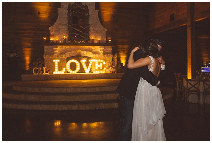 classic_oaks_ranch_wedding (240).jpg