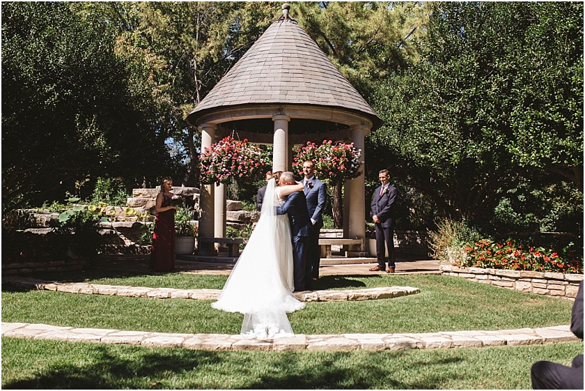 fort_worth_botanical_gardens_wedding (29).jpg