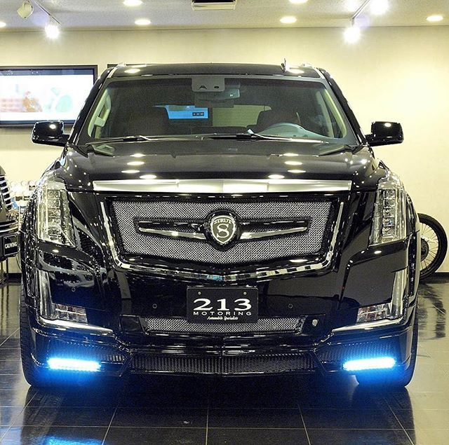 @strutlifellc x @nextnation_official a winning combo, without a doubt. @cadillac #escalade - #strutlife #strutgrille #nextnation #led #luxuryvehicles @calwing213motoring