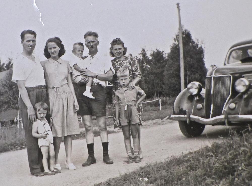 St. Eustache circa 1944.jpg