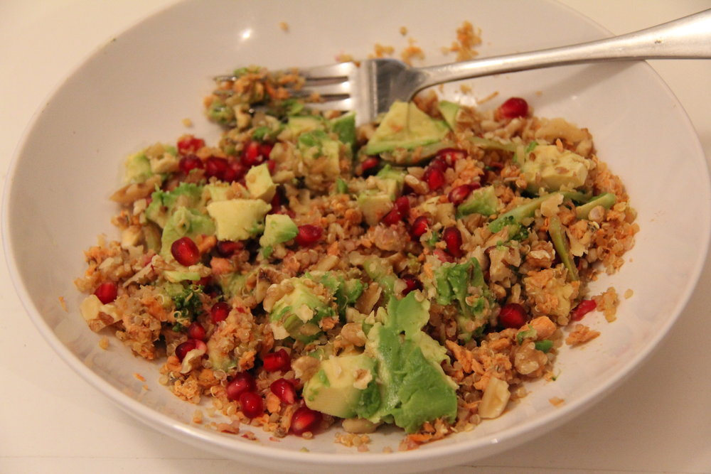 Tuna with Quinoa - A delcious dish of avocado and pomegranete. Very health but one pan and simple.