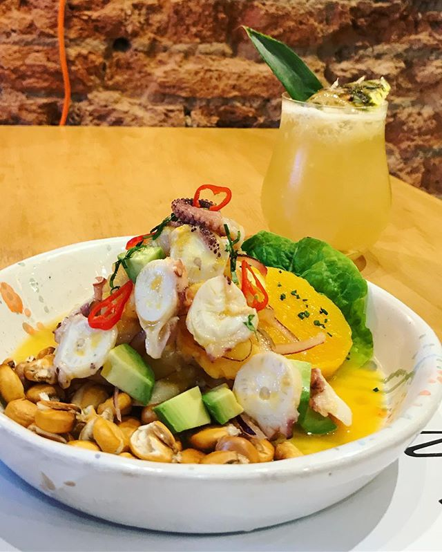 Ceviche bravazo con Habana Ginger Punch de sábado por la noche 🕺🏼🔥 #unitealacausa #lacausanikkei #foodiesbuenosaires #peruano #nikkei