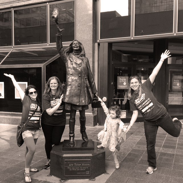 Visiting the Mary Tyler Moore statue on the Nicollet Mall in downtown Minneapolis!