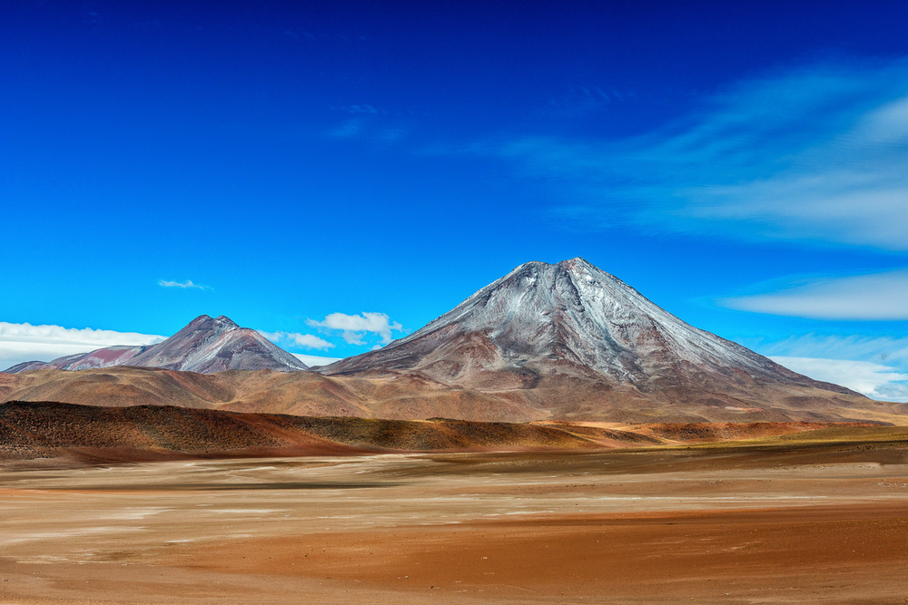 Volcan Chilliques, Andes, Chile, 5778m