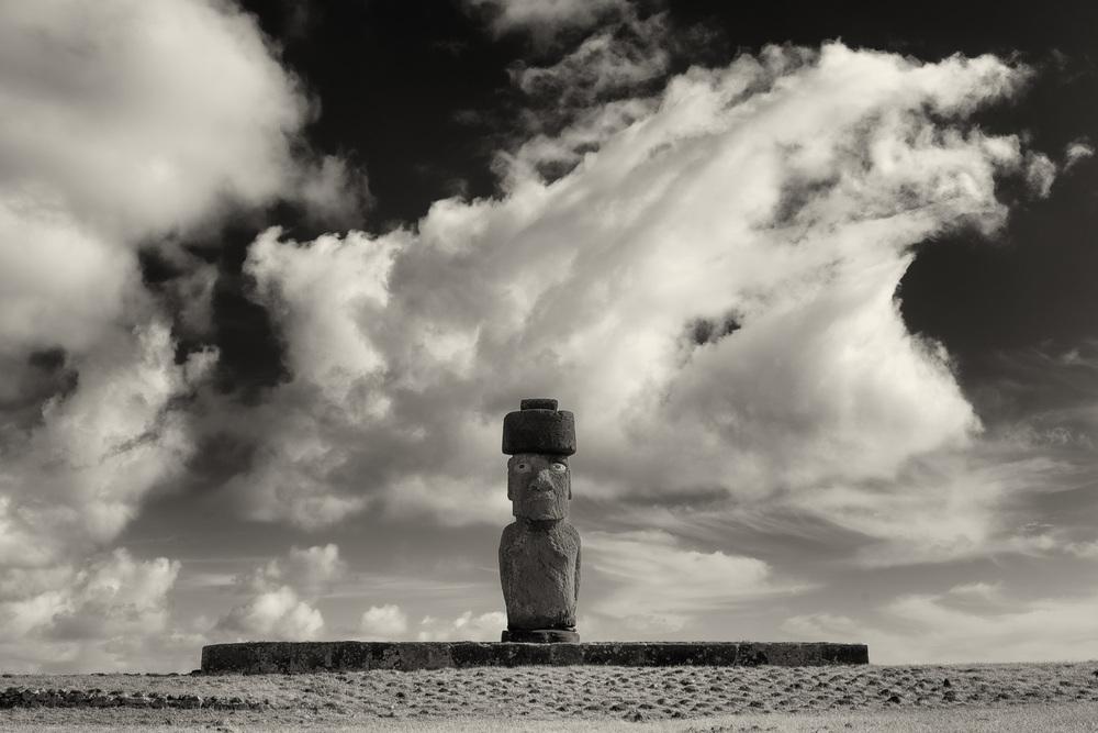 MOAI, Hanga Kio'e, Easter Island, Chile