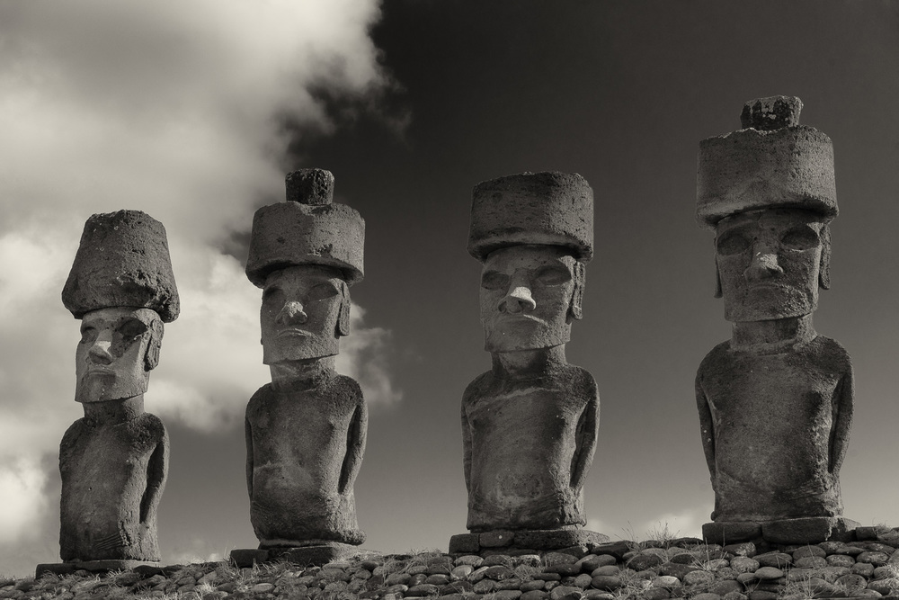 4 MOAI, Anakena, Easter Island, Chile