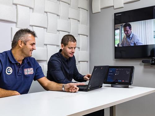 DISTANSMÖTEN - Videokonferens som bygger på Skype