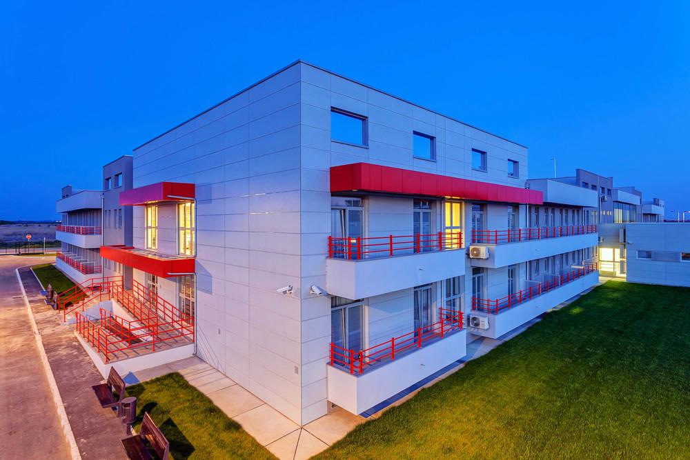 Fensterbau und Beschattung gewerbliche Gebäude
