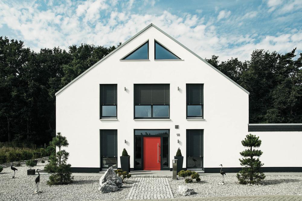Raffstoren und Außenjalousien, Wohnhaus