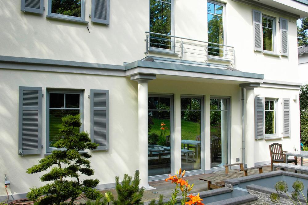 Holz-Aluminiumfenster - Klassische Architektur