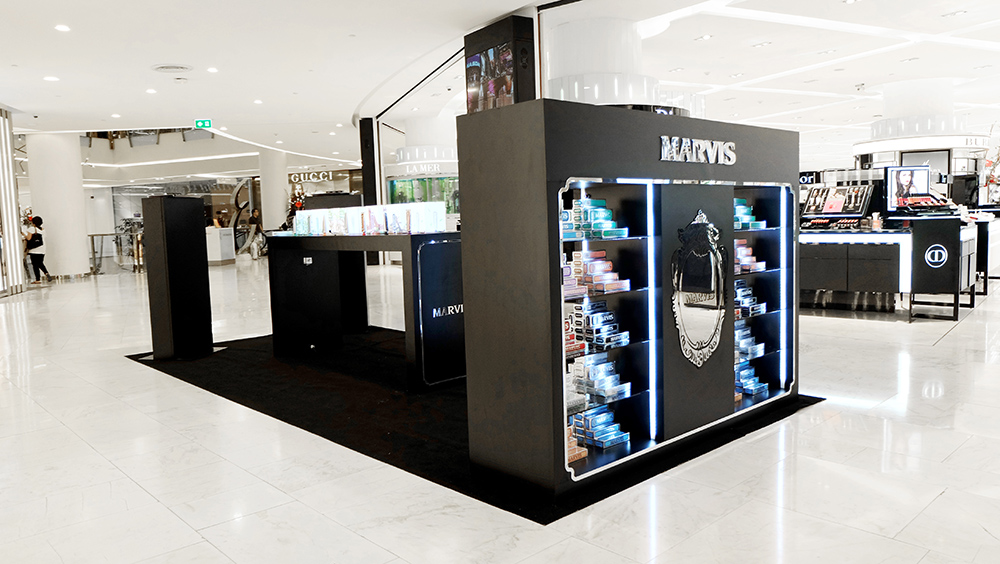 """MARVIS THAILAND  A create concept advertising visual. And design store , premium gift to Mavis Thailand for customer. Based on the concept of """"Luxury Classic"""" style which the core-signature of this brand."""