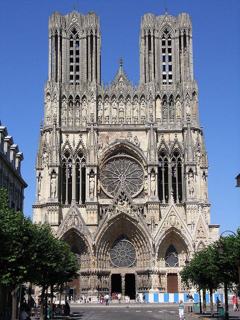 reims, katedralen där många franska kungar kröntes. foto bodoklecksel