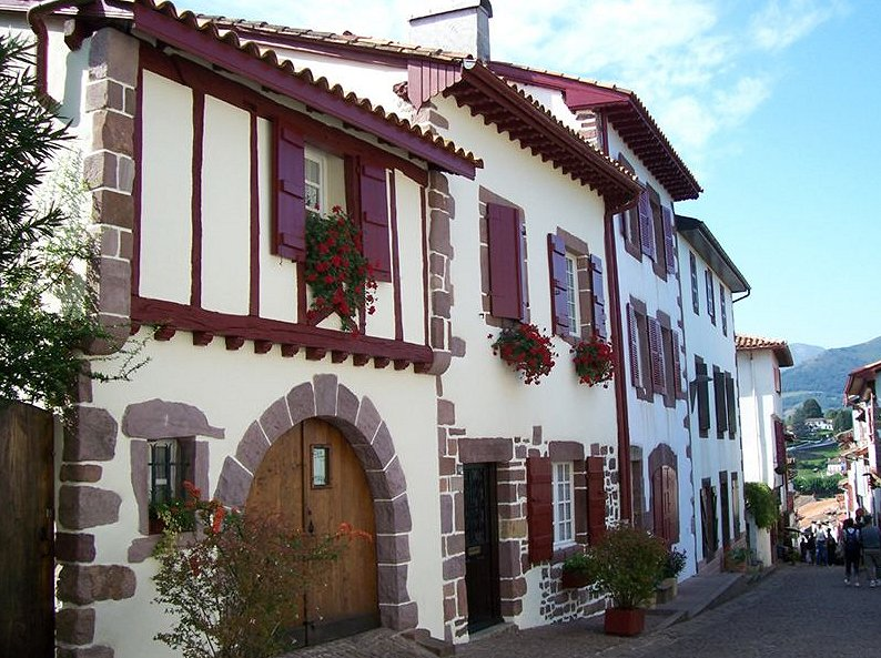 typiska hus i Baskien.