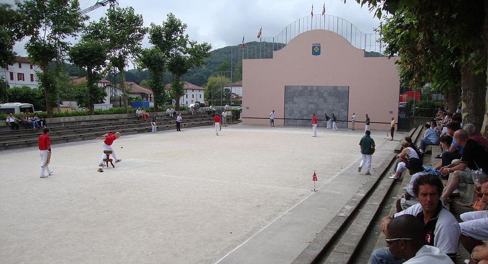 pelota, bollspel i Baskien. foto Havang