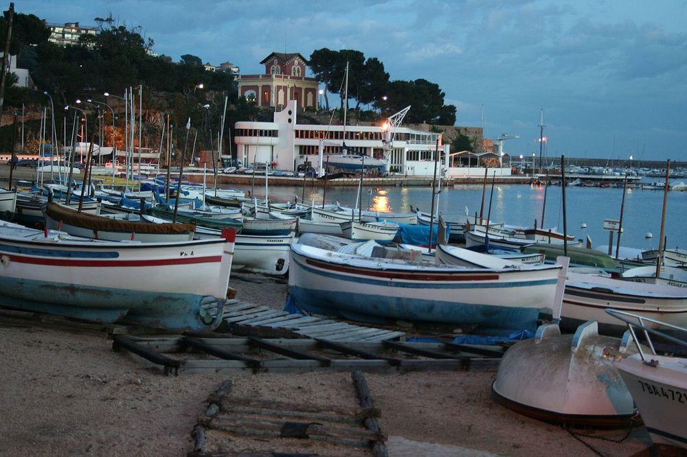 hamnen i Sant Feliu de Guíxols. foto Josemanuel