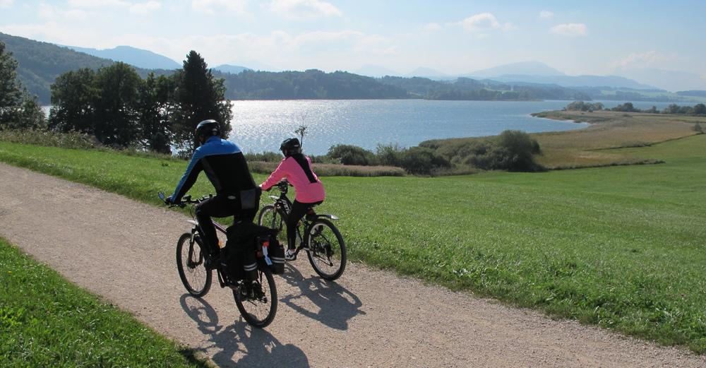 på cykeltur i salzkammergut