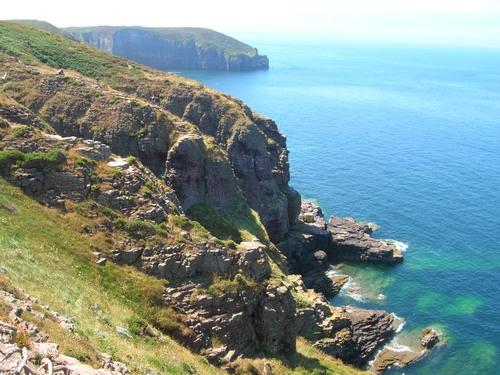 Karga klippor vid Engelska Kanalen