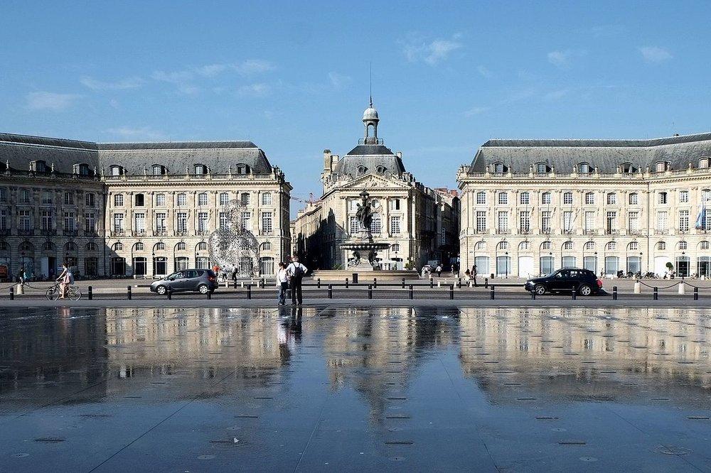 bordeaux Place de la bourse och vattenspegeln. foto p. despoix.
