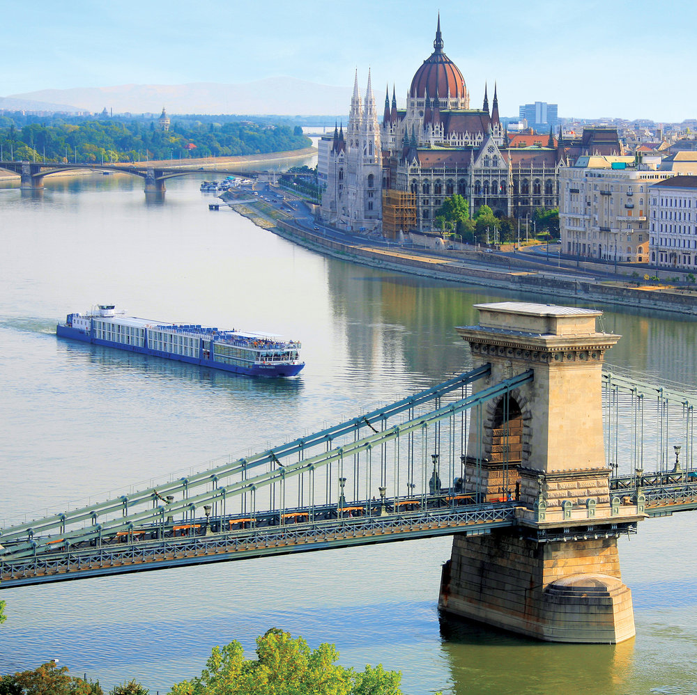 Budapest, kedjebron och parlamentet