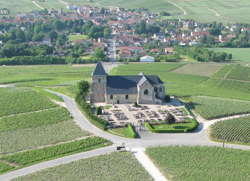kyrkan i chavot-courcourt. foto Monalixa