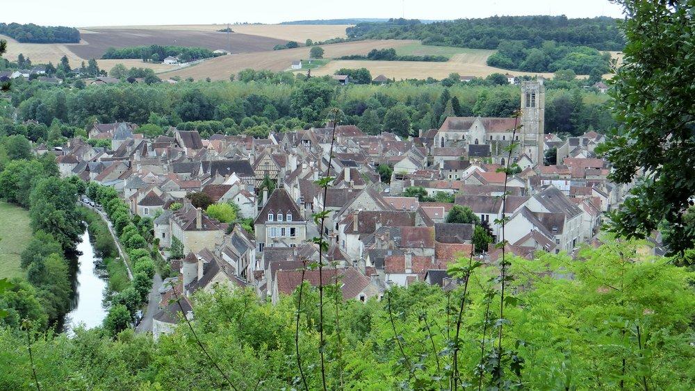 Noyers-sur-Serein foto Ibex73