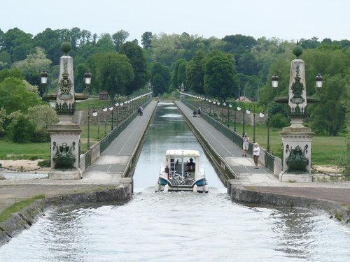 briare, kanalbron över loire. foto lvt.
