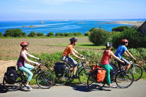 cyklister i norra Bretagne. foto crtb