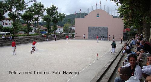 pelota, bollspel i Baskien. foto Havang.jpg