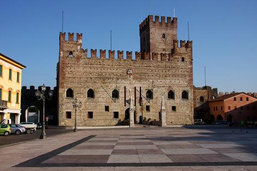 Marostica, torget med schackbrädet. foto Alessandro Vecchi