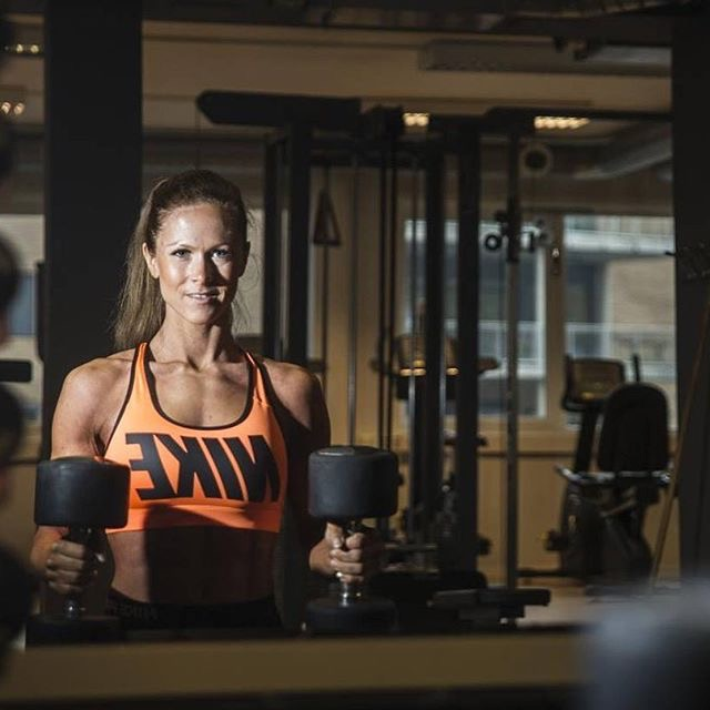 Jeanette: Personal trainer & Nordic Champion in Body Fitness (2015) - Weight reduction, strength training & nutrition.