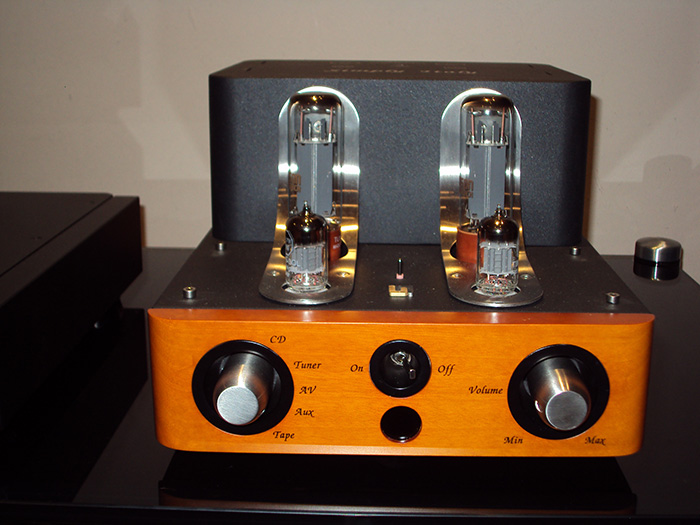 Unison Research Simply Italy Valve Amp Arrives — Audio T
