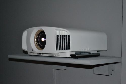 Sony VPL-VW320ES 4K Projector