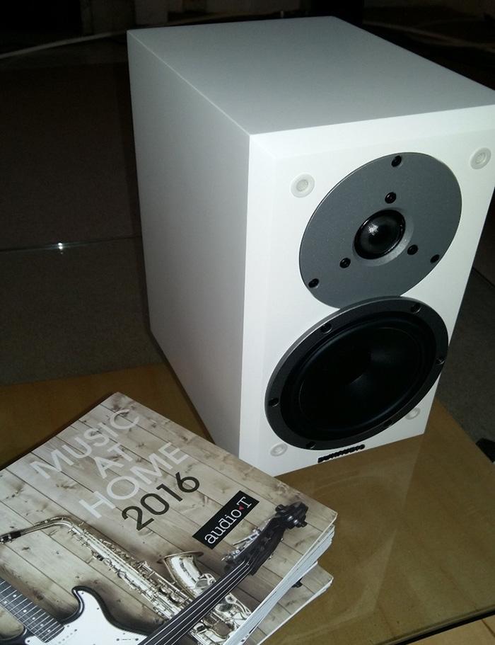 dynaudio emit m10 standmount loudspeaker