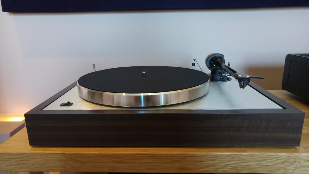 the new project classic turntable has arrived at audio t. Black Bedroom Furniture Sets. Home Design Ideas