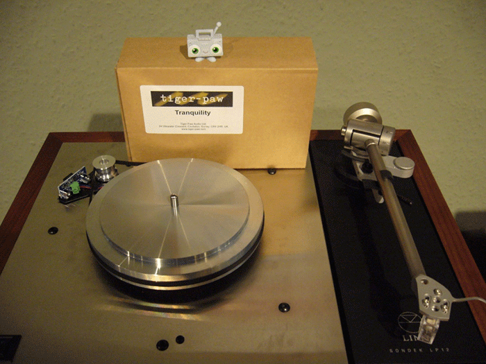 Full spec  Linn Klimax LP12  with  Ekos tonearm ,  Kandid cartridge  and  Radical power supply . MC Billy Blaster can't wait to jump in, spin some discs and throw some shapes!