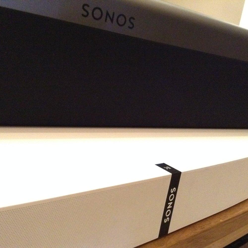 Sonos Playbar vs Sonos Playbase — Audio T