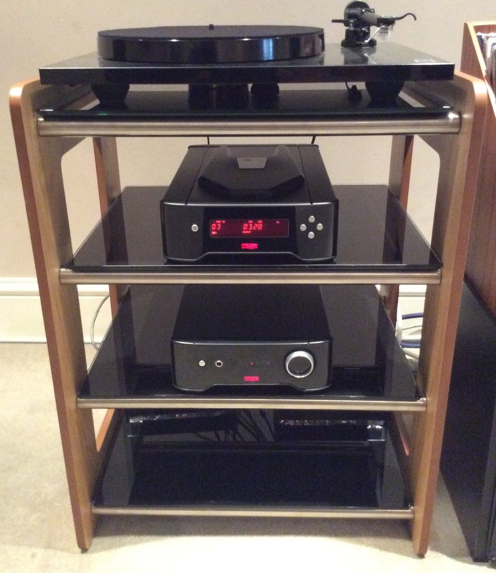 A rack of Rega!
