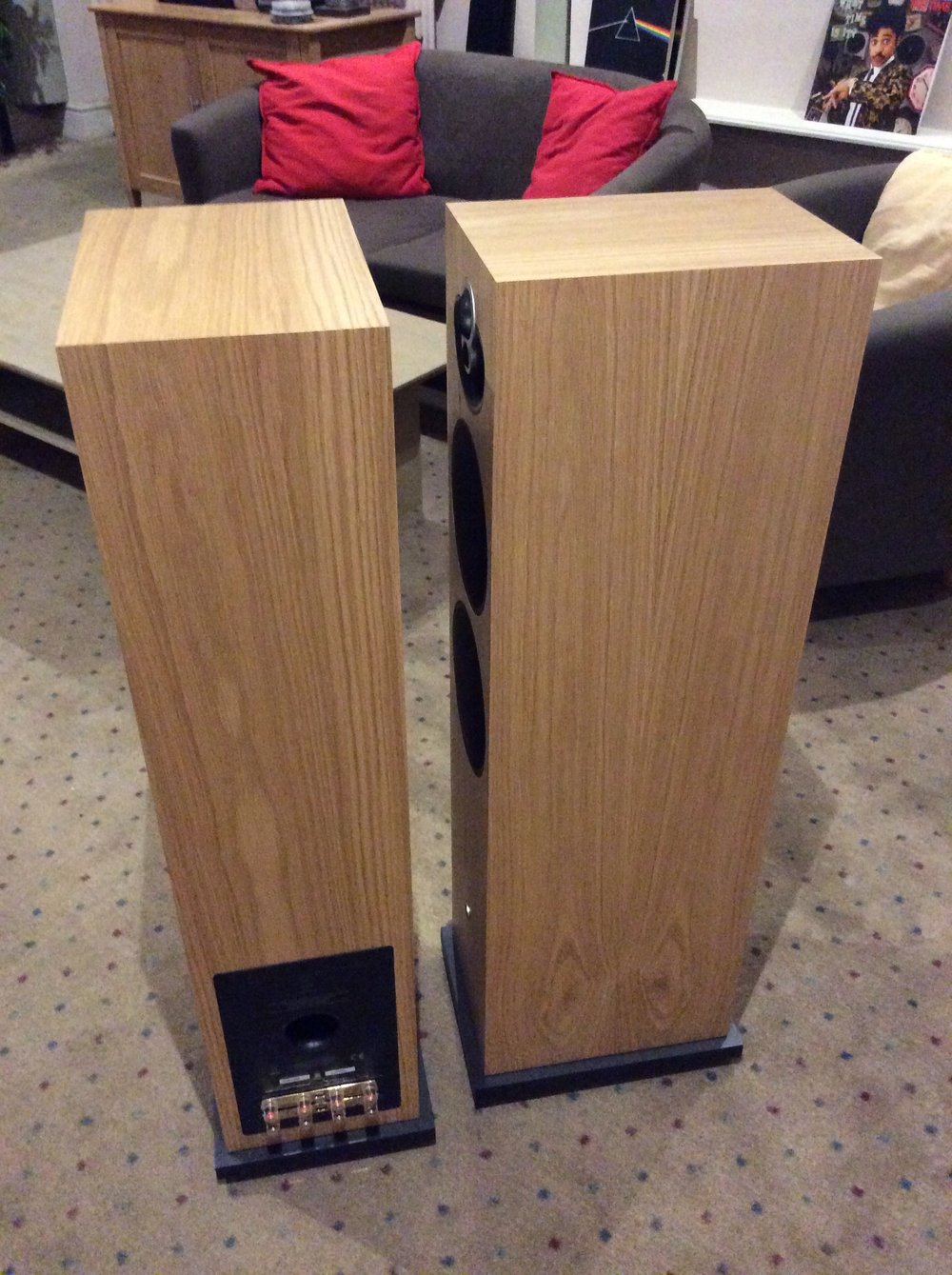 Linn Majik 140 speakers