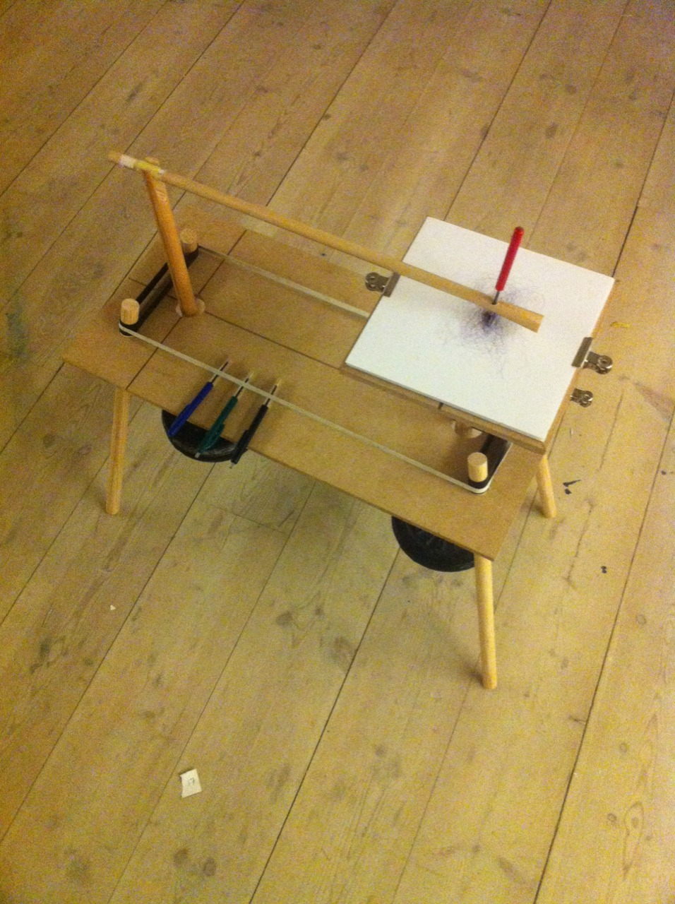 September '13 / KADK / Copenhagen / Device #2     A homemade Harmonograph, made for site specific mapping of movements.