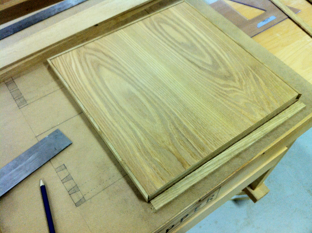 December '12 / Cabinet Maker School / Copenhagen Adding wood batterns to the veneered MDF