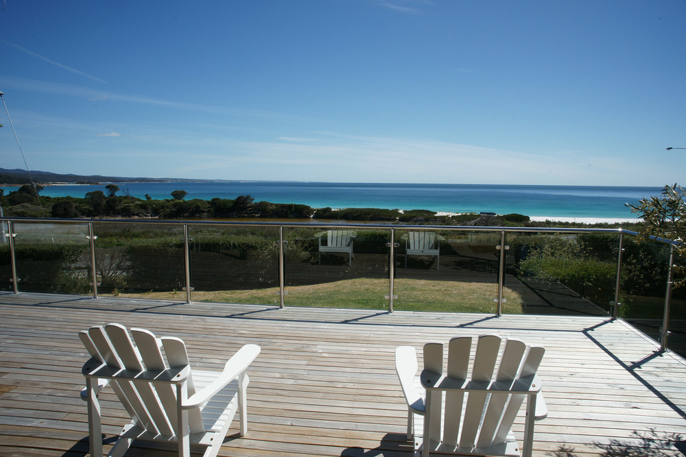 Quality accommodation only metres from the pristine shoreline of Binalong Bay