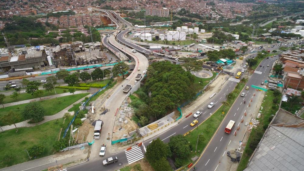 Puente MAdre Laura. Medellín, Antioquia