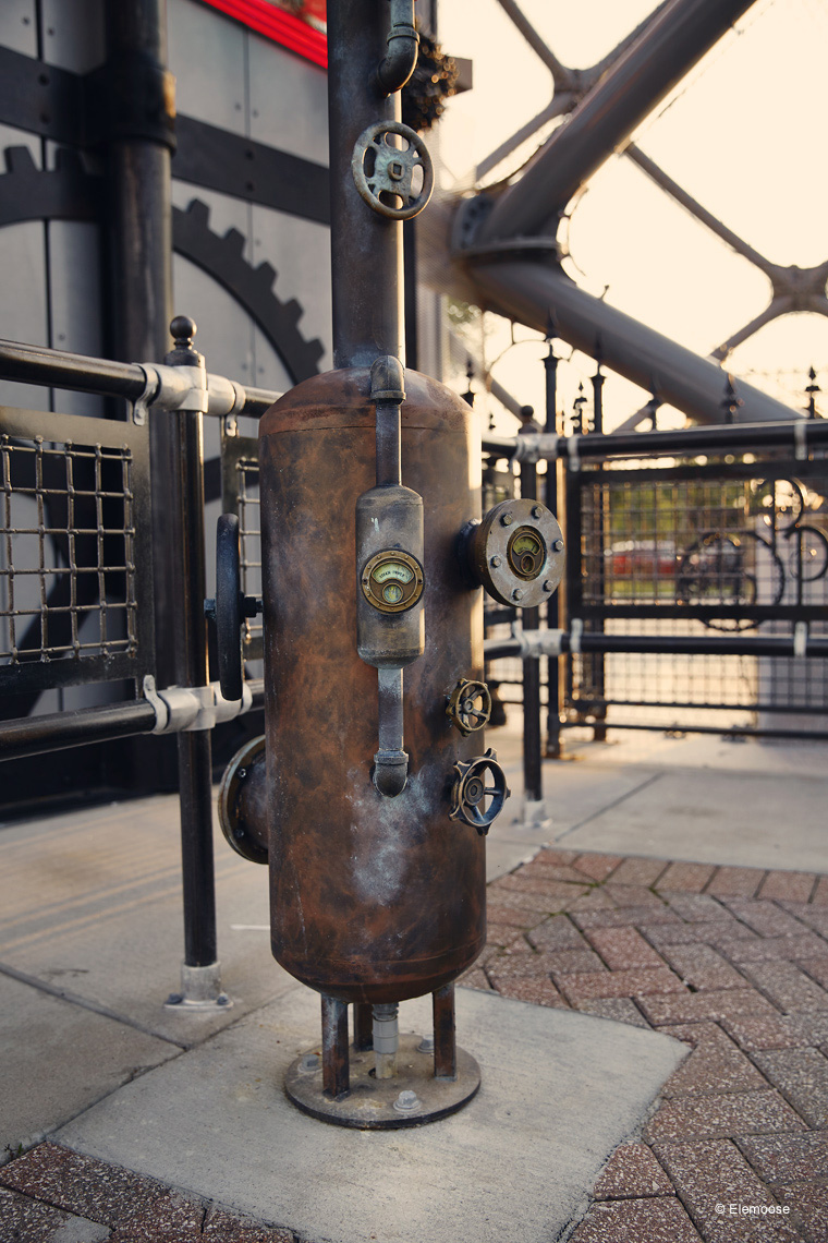 steam-punk-themed-faux-mechanics--parakeet-pete-branson-landing.jpg